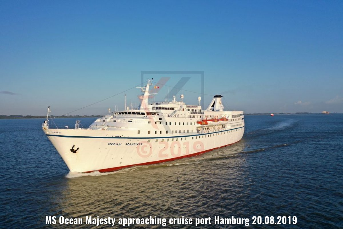 MS Ocean Majesty approaching cruise port Hamburg 20.08.2019