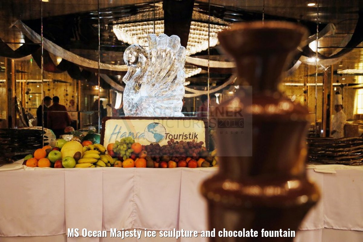 MS Ocean Majesty ice sculpture and chocolate fountain