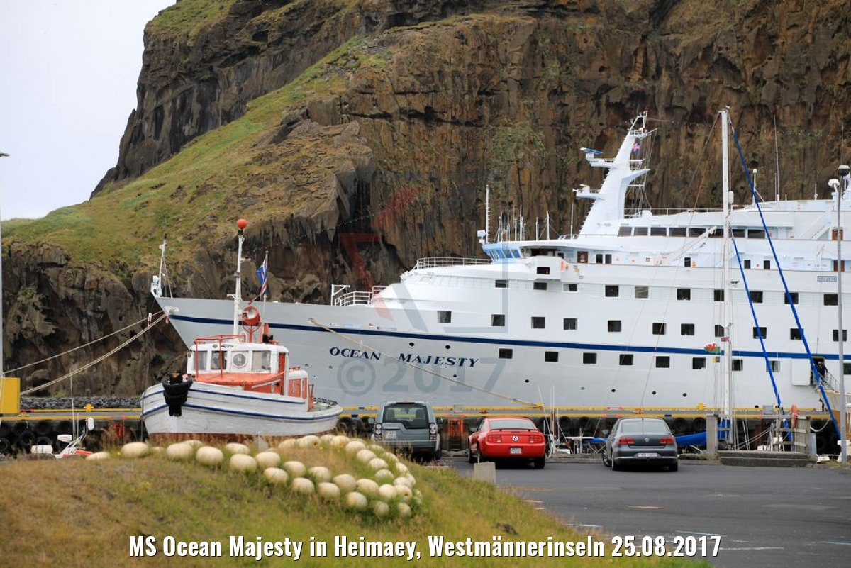 MS Ocean Majesty in Heimaey, Westmännerinseln 25.08.2017
