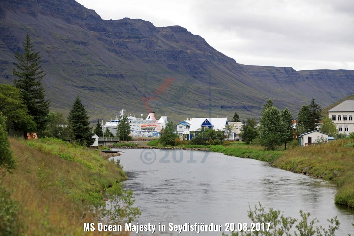 MS Ocean Majesty in Seydisfjördur 20.08.2017
