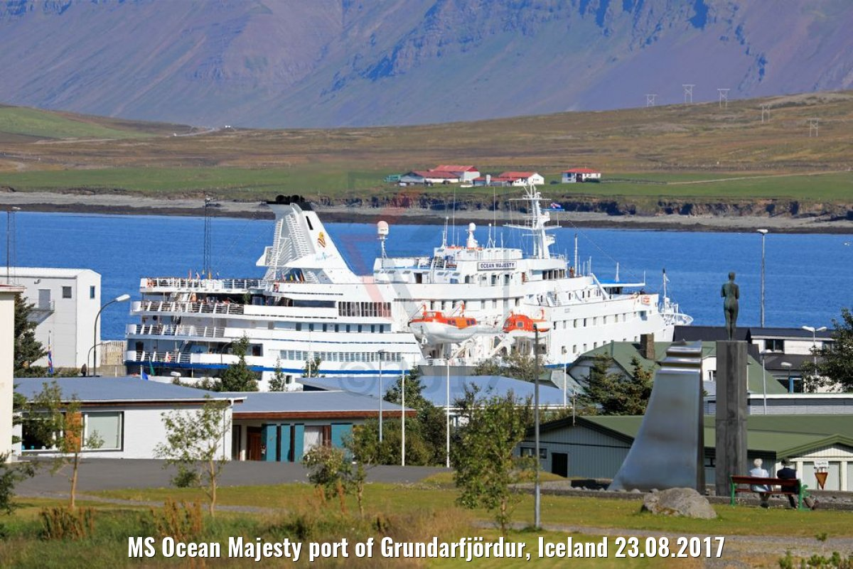 MS Ocean Majesty port of Grundarfjördur, Iceland 23.08.2017