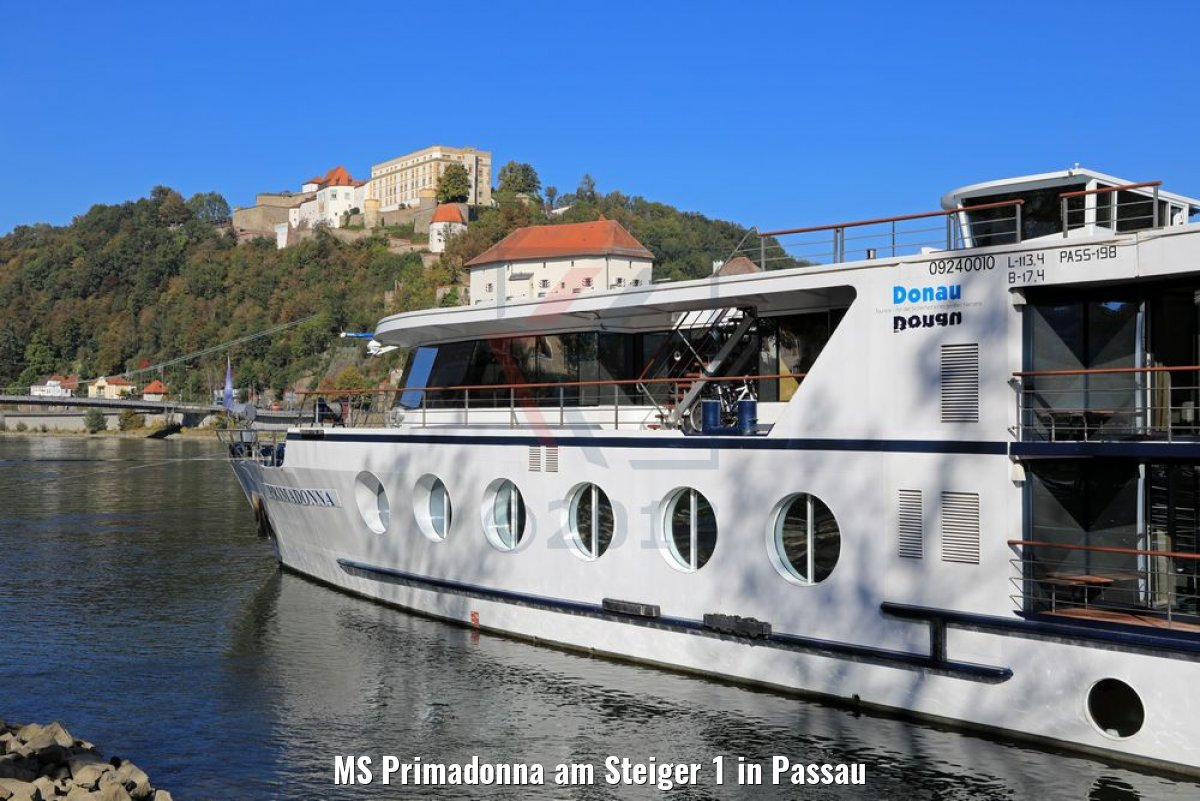 MS Primadonna am Steiger 1 in Passau