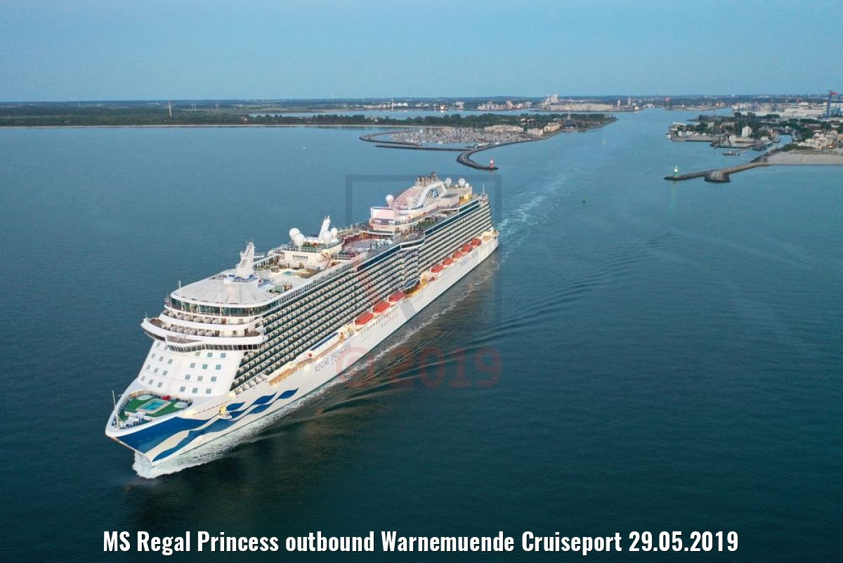 MS Regal Princess outbound Warnemuende Cruiseport 29.05.2019