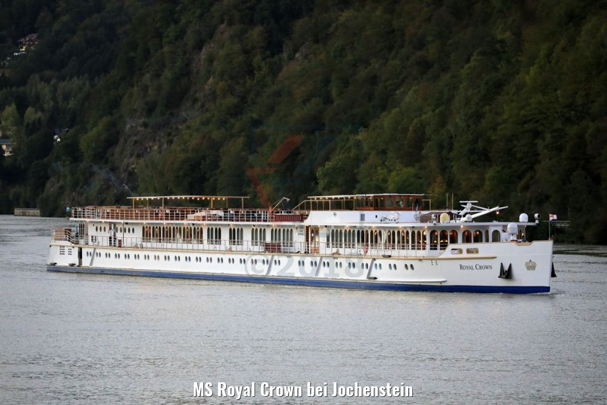 MS Royal Crown bei Jochenstein