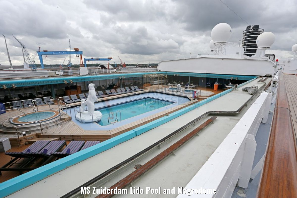 MS Zuiderdam Lido Pool and Magrodome