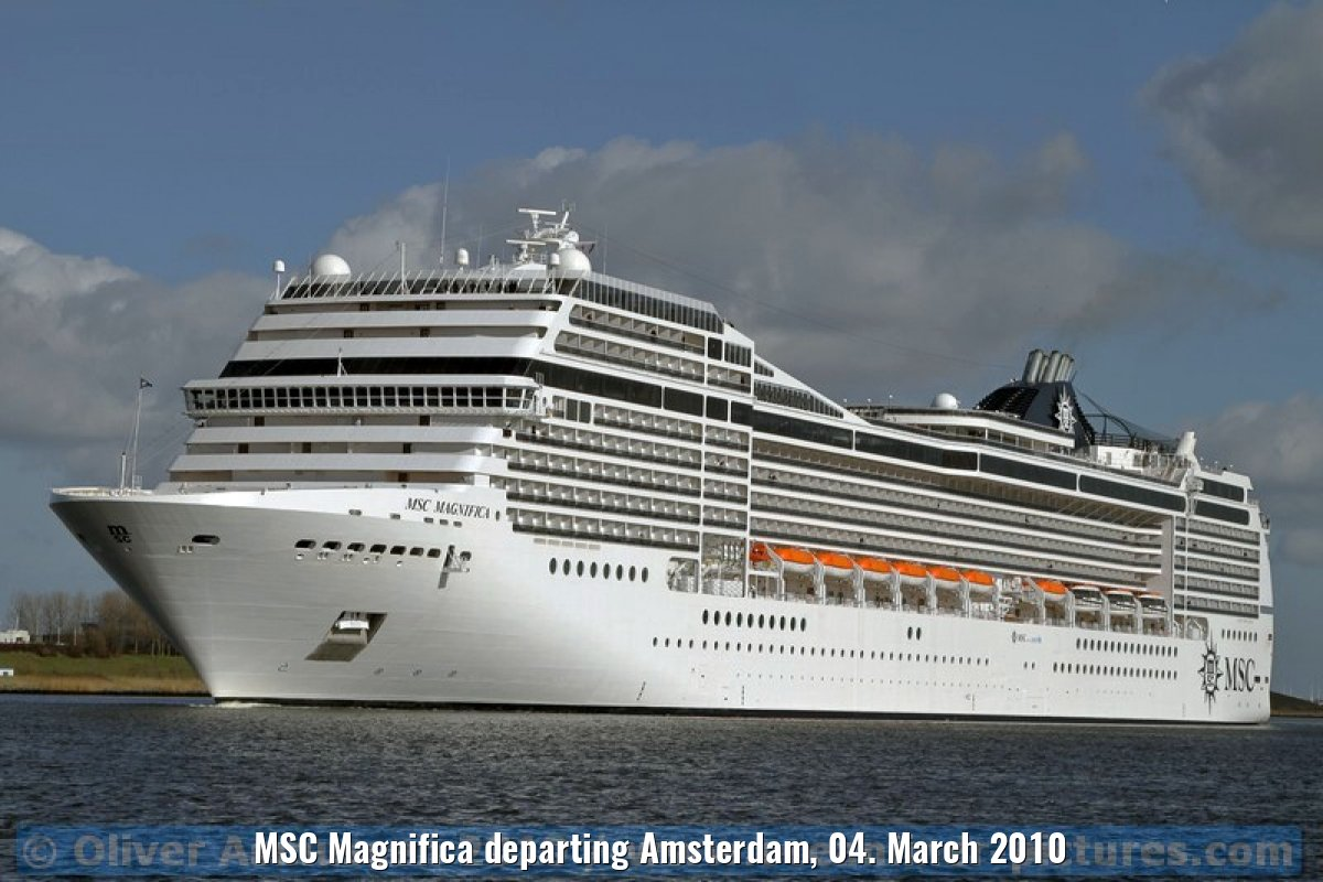 MSC Magnifica departing Amsterdam, 04. March 2010