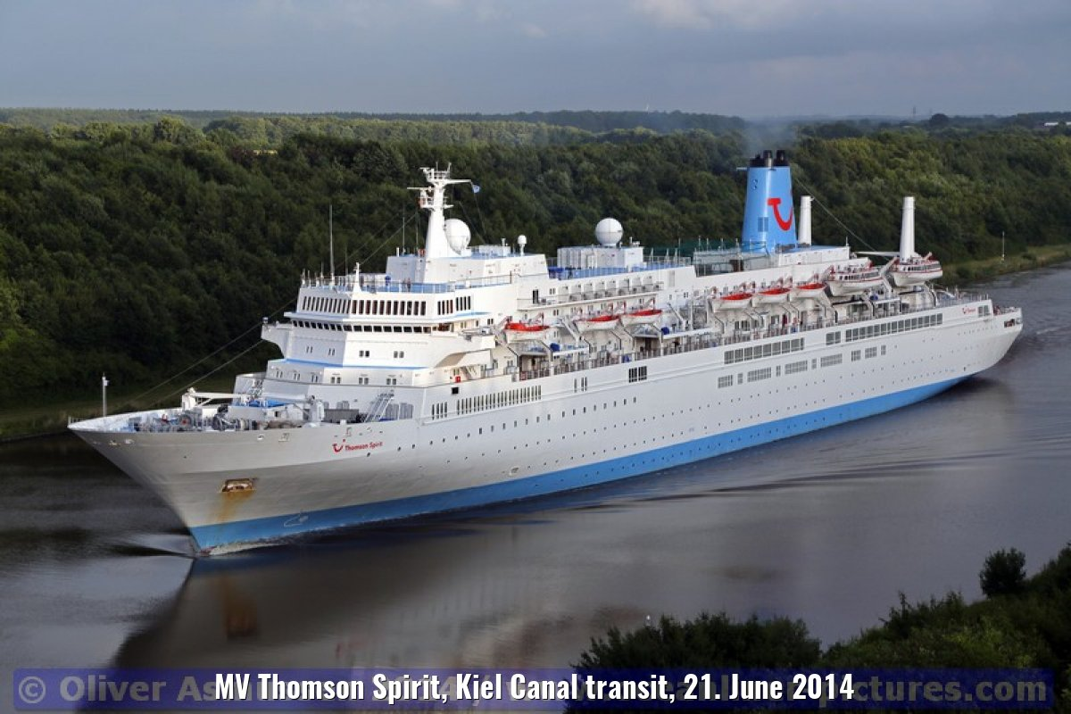 MV Thomson Spirit, Kiel Canal transit, 21. June 2014