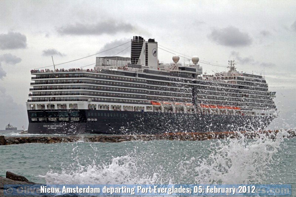 Nieuw Amsterdam departing Port Everglades, 05. February 2012