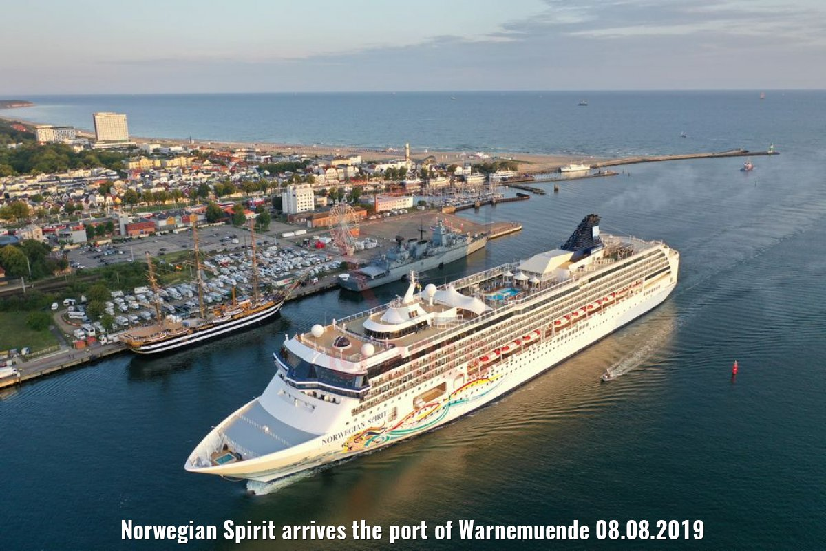 Norwegian Spirit arrives the port of Warnemuende 08.08.2019