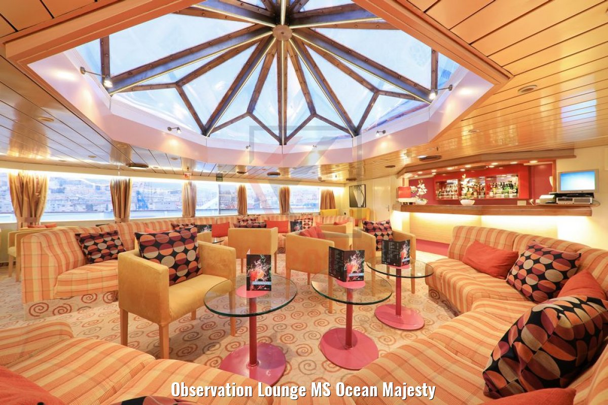 Observation Lounge MS Ocean Majesty