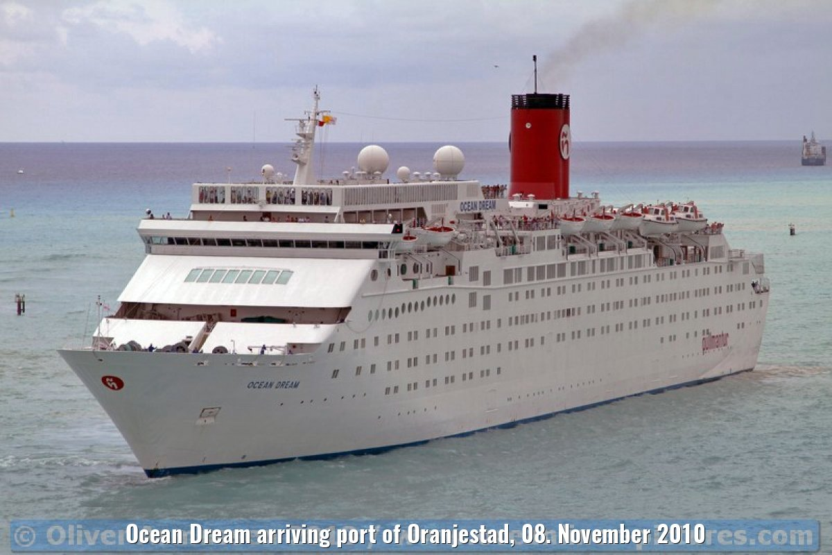 Ocean Dream arriving port of Oranjestad, 08. November 2010