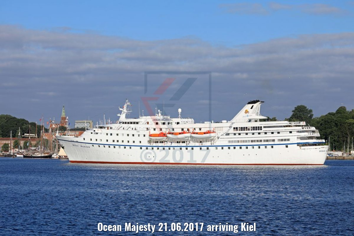 Ocean Majesty 21.06.2017 arriving Kiel