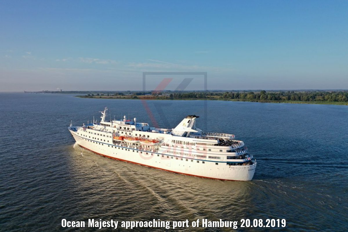 Ocean Majesty approaching port of Hamburg 20.08.2019
