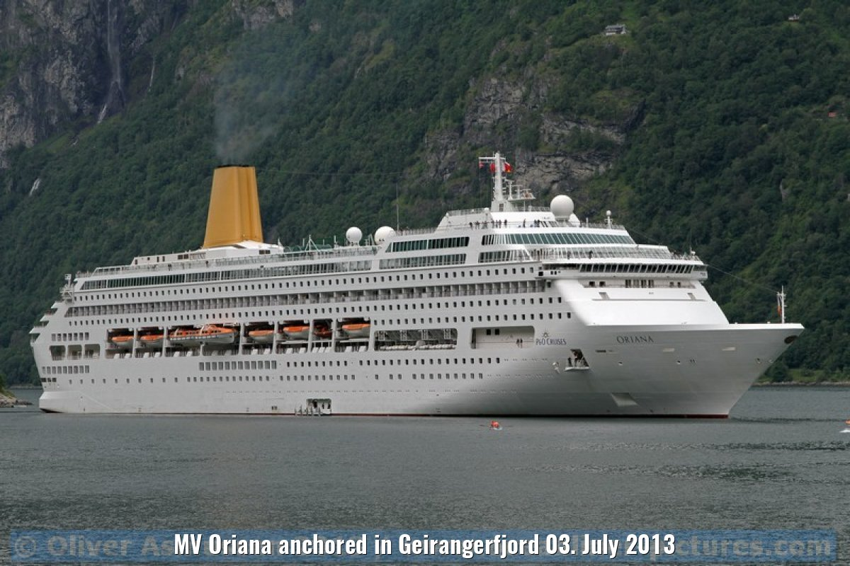 MV Oriana anchored in Geirangerfjord 03. July 2013