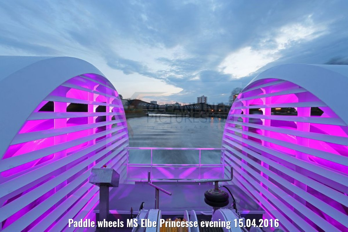 Paddle wheels MS Elbe Princesse evening 15.04.2016