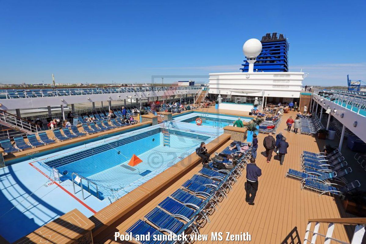 Pool and sundeck view MS Zenith