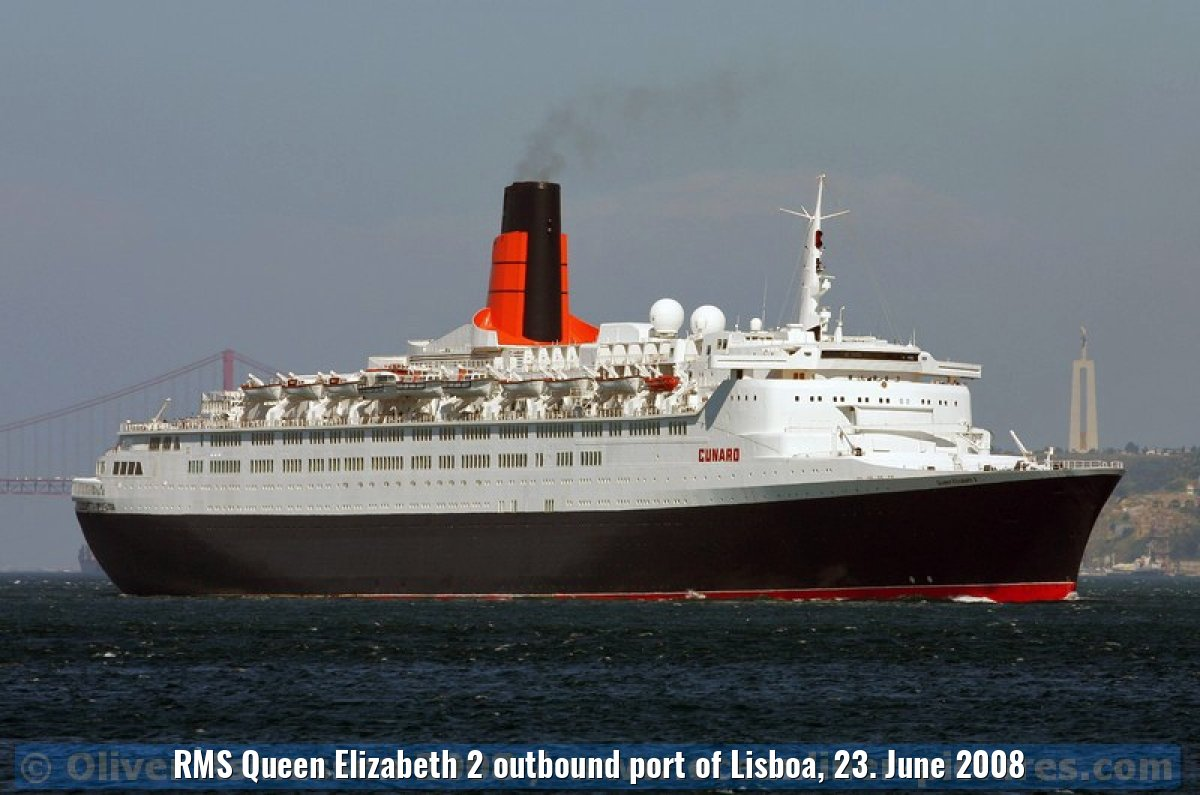 RMS Queen Elizabeth 2 outbound port of Lisboa, 23. June 2008