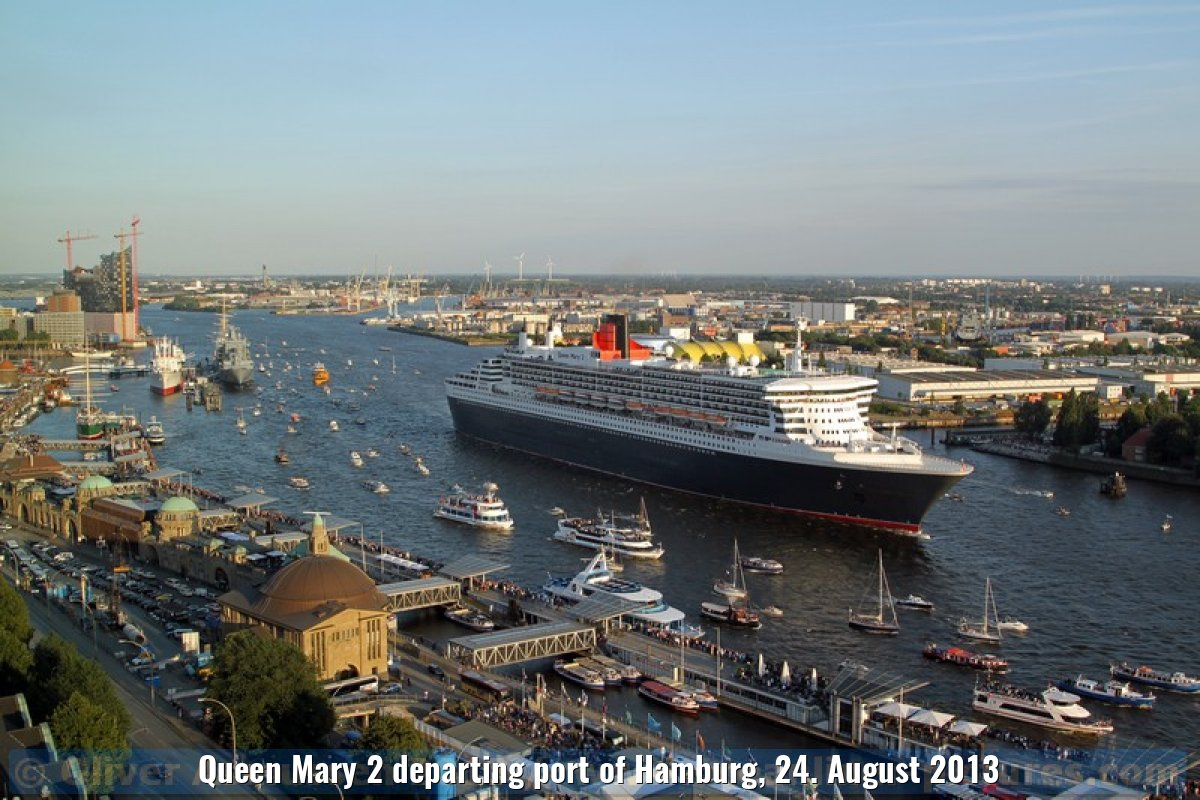 Queen Mary 2 departing port of Hamburg, 24. August 2013