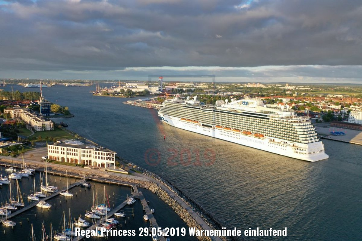 Regal Princess 29.05.2019 Warnemünde einlaufend