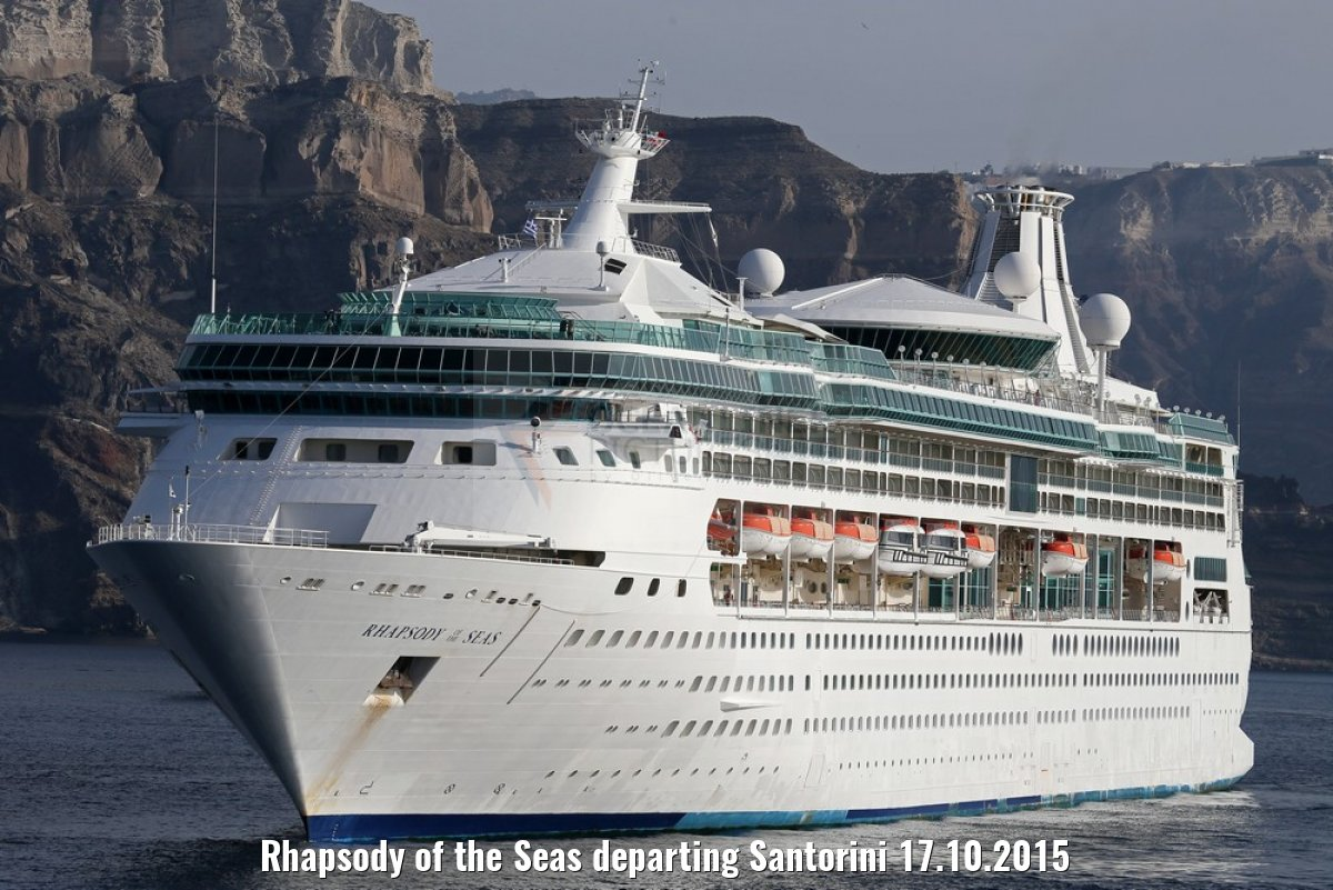 Rhapsody of the Seas departing Santorini 17.10.2015