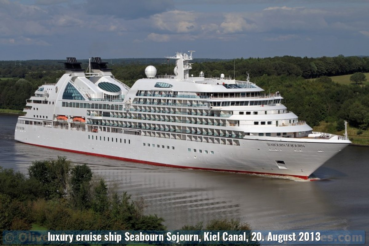 luxury cruise ship Seabourn Sojourn, Kiel Canal, 20. August 2013