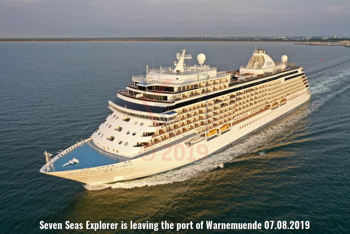 Seven Seas Explorer is leaving the port of Warnemuende 07.08.2019