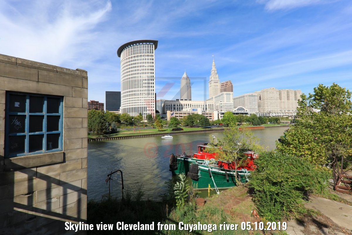 Skyline view Cleveland from Cuyahoga river 05.10.2019