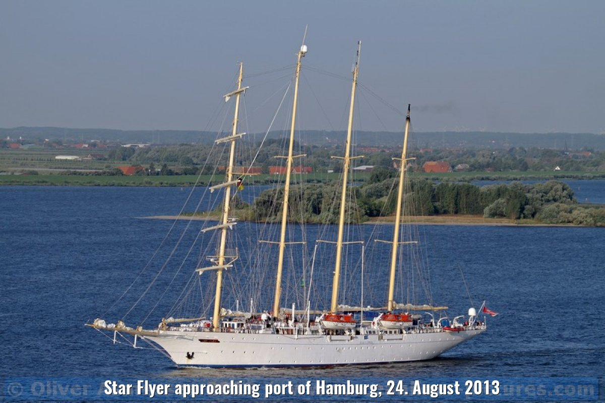 Star Flyer approaching port of Hamburg, 24. August 2013