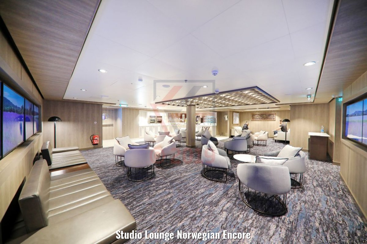 Studio Lounge Norwegian Encore