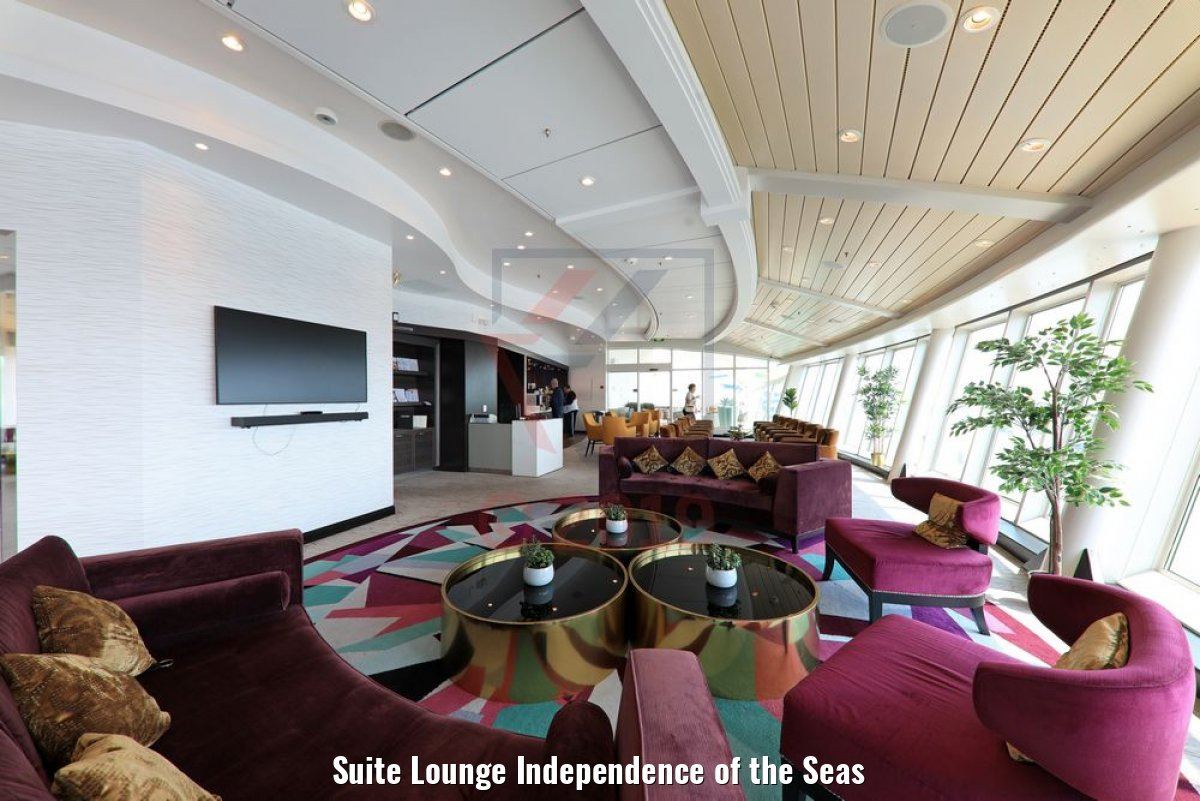 Suite Lounge Independence of the Seas