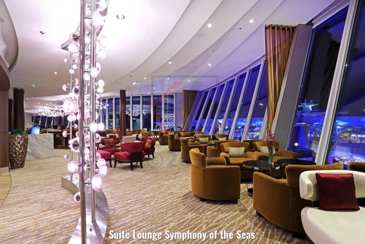 Suite Lounge Symphony of the Seas