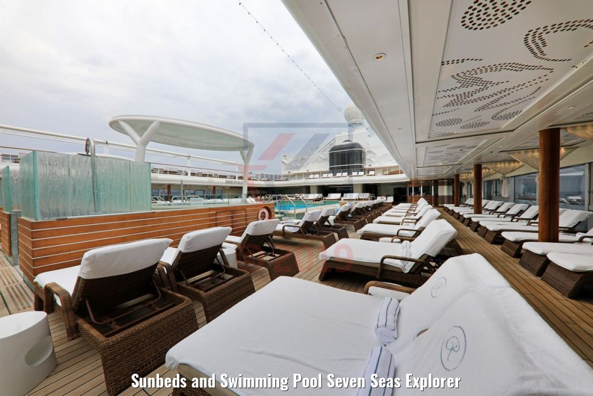 Sunbeds and Swimming Pool Seven Seas Explorer