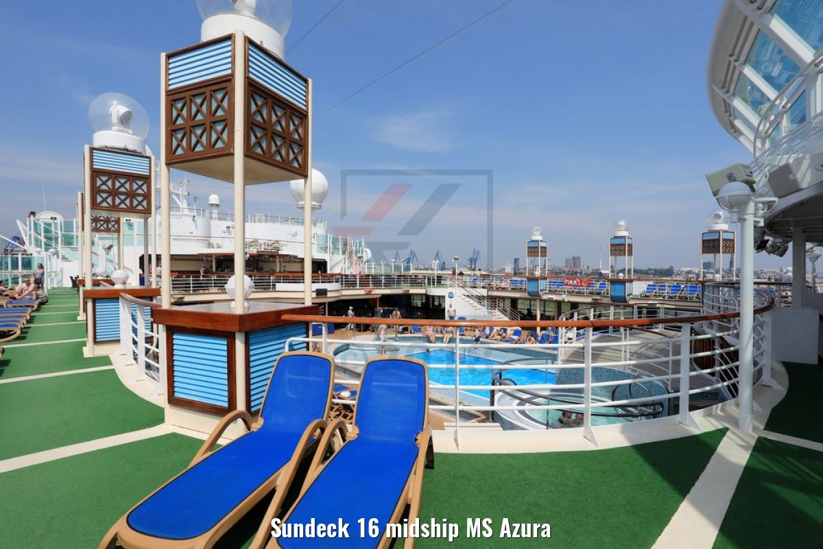 Sundeck 16 midship MS Azura