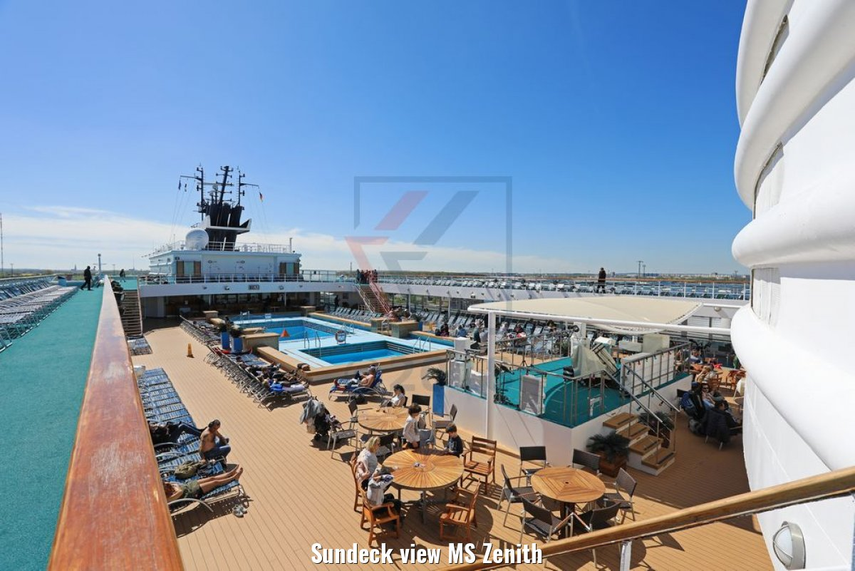 Sundeck view MS Zenith