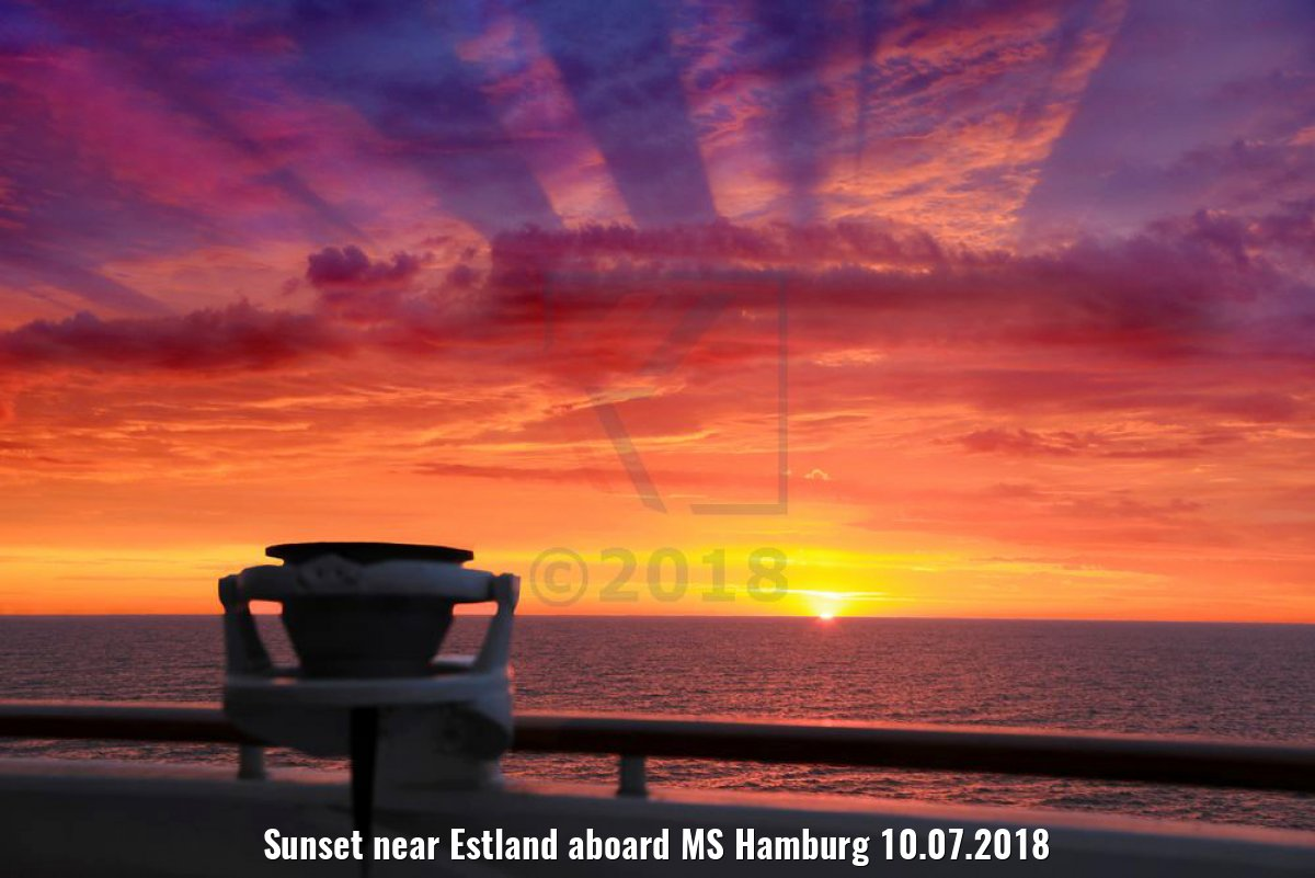 Sunset near Estland aboard MS Hamburg 10.07.2018