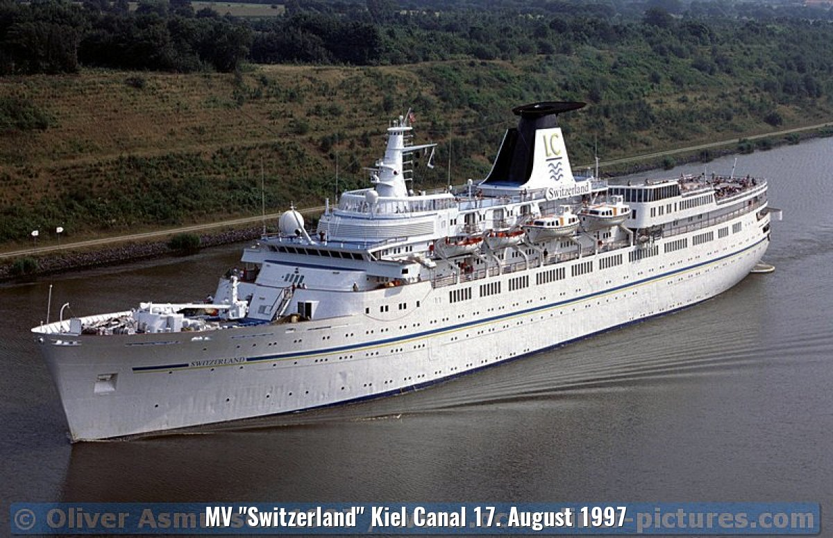 "MV ""Switzerland"" Kiel Canal 17. August 1997"