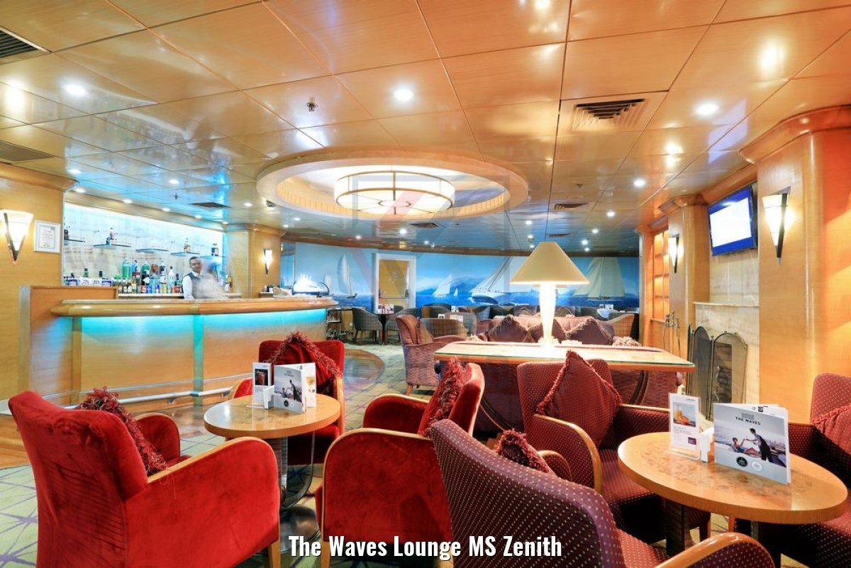 The Waves Lounge MS Zenith