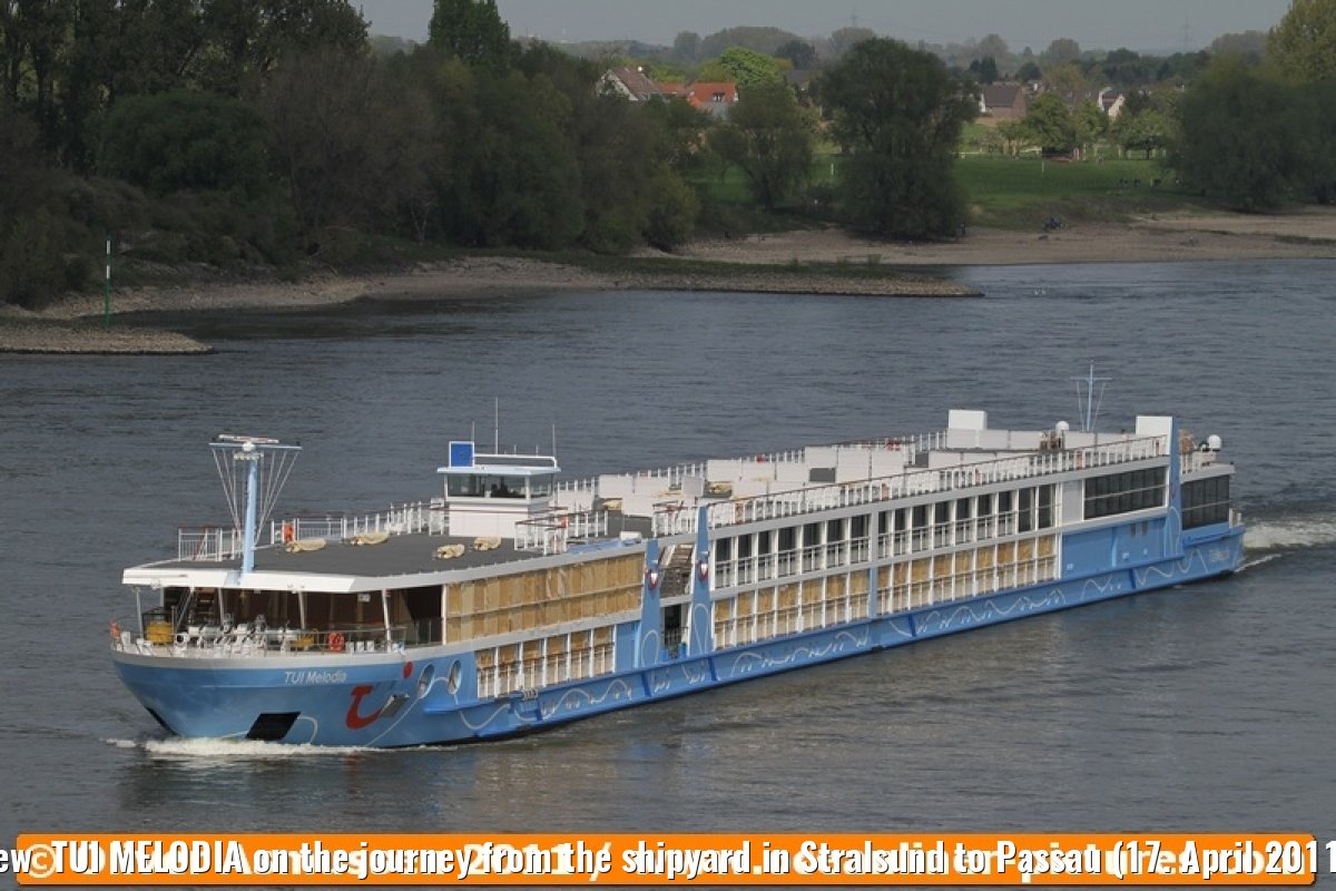 New TUI MELODIA on the journey from the shipyard in Stralsund to Passau (17. April 2011).