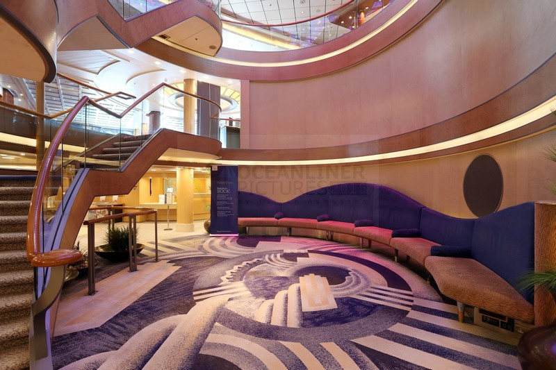 Reception und Atrium MS Arcadia
